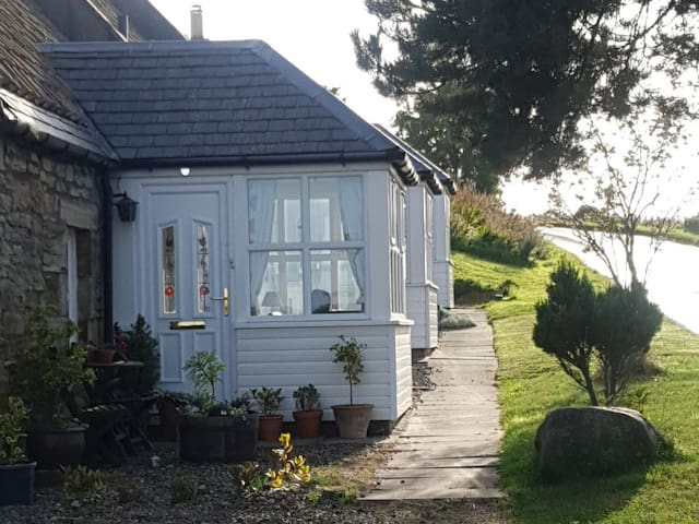 Monksholm Farm Cottage (UK13520)
