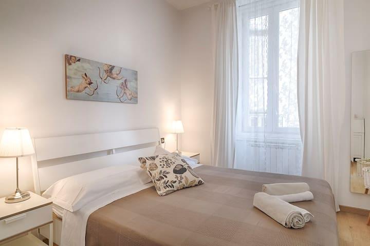 1° camera da letto matrimoniale con bagno privato