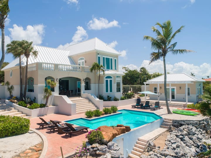magnificent and private oceanfront villa