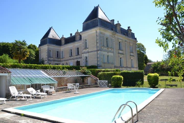 Magnifique maison de maître avec tennis et piscine - Bassac - Hus