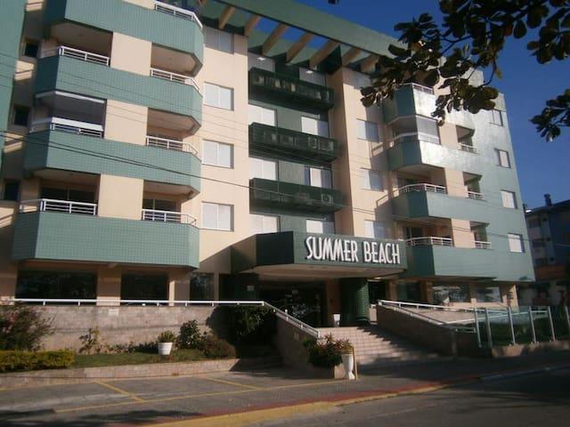 Ótimo apto para 4 pessoas na melhor localizaçao - Florianópolis