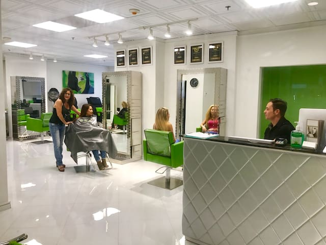 New salon in lobby for hair and nails