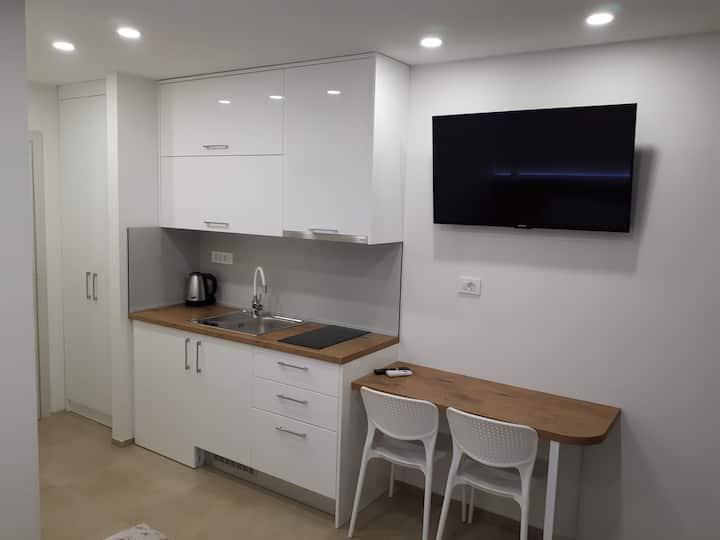 Studio Apartman 2