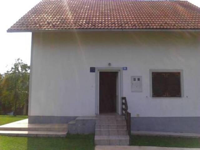 Room with double bed - Plitvička Jezera - Talo