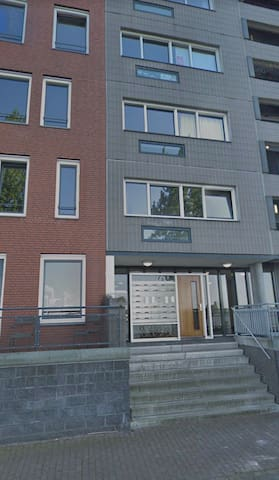 Apartment with balcony near A.dam central station