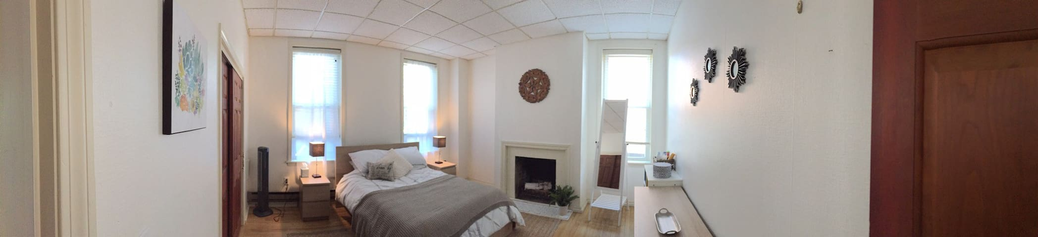 Downtown Apartment, Walk to Amherst College, UMASS - Amherst - Lakás