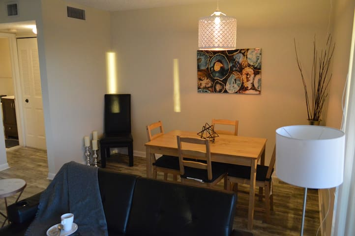 406 Condo for 6+ mths, by Downtown West Palm Beach