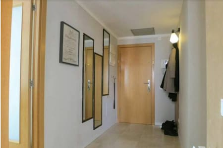 Great location near center, impeccably clean rooms - L'Hospitalet de Llobregat