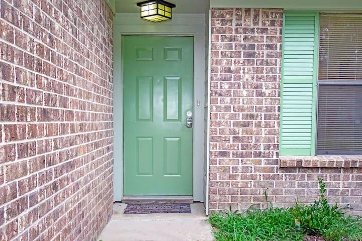 The Green Door @ 110