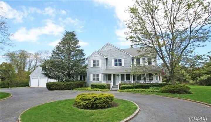 Renovated Luxury 4br / 4ba Hamptons Getaway