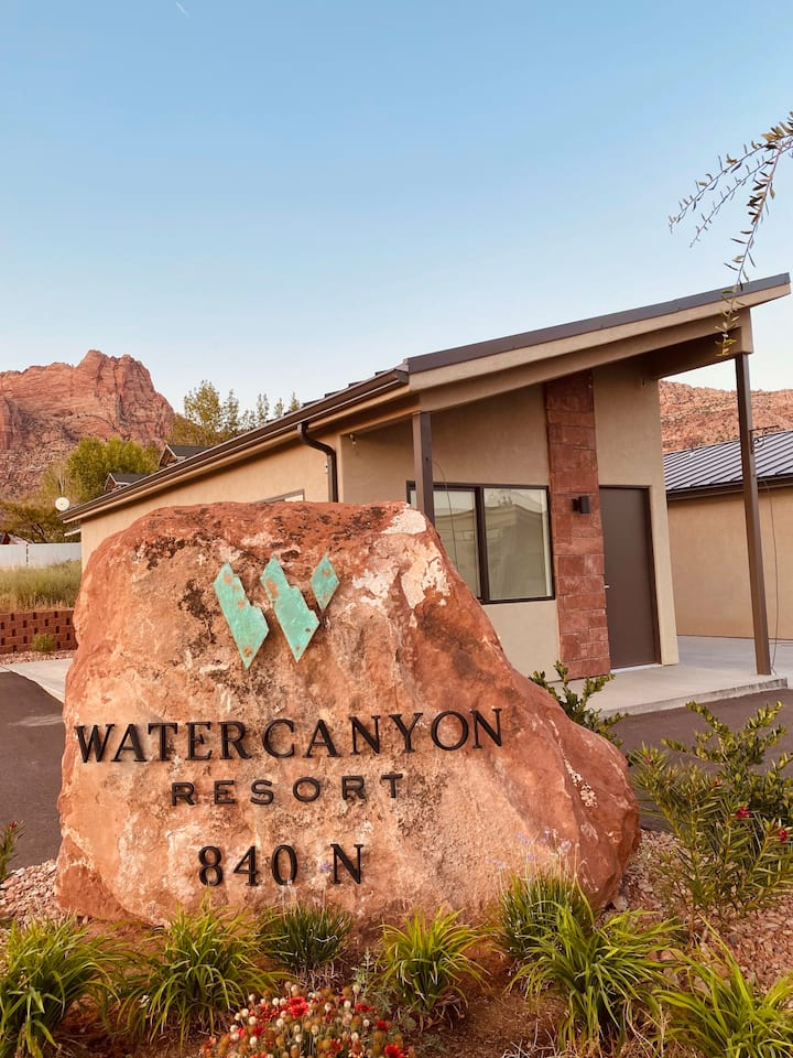 Private Luxury Studio - Incredible Views - Water Canyon Resort