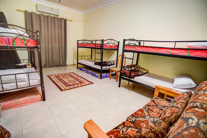large Shared room -Central Location-Free Wifi