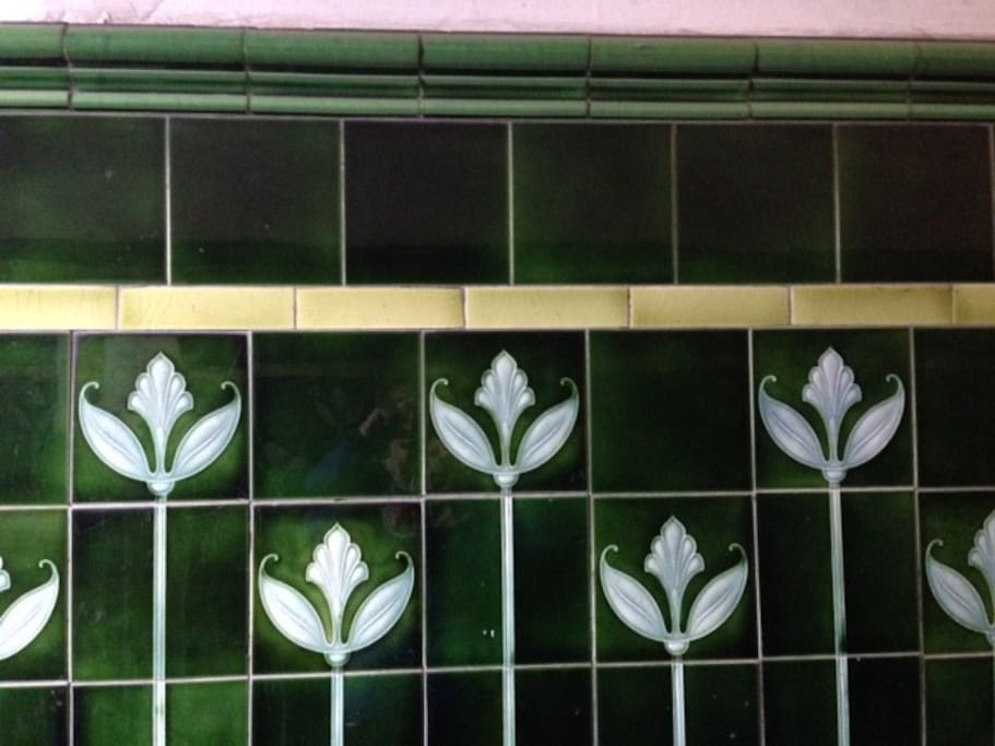 Typical Glagow 'Wally Close' tiles