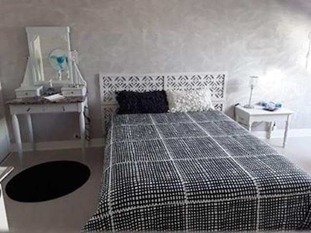1 chambres privée dans  maison  avec terrasse