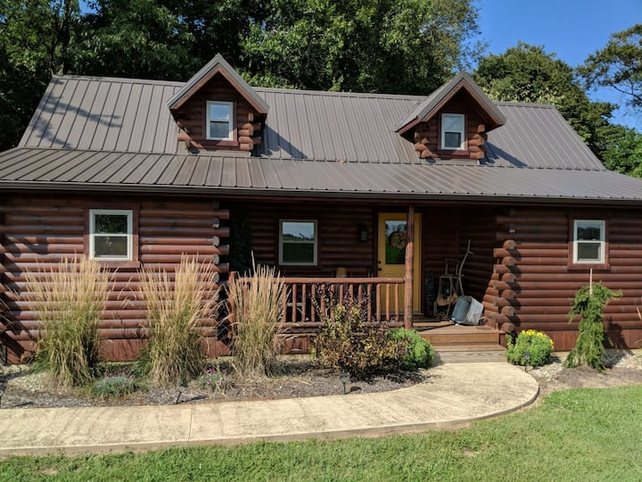 AZ Longhorns Cabin, a romantic getaway!