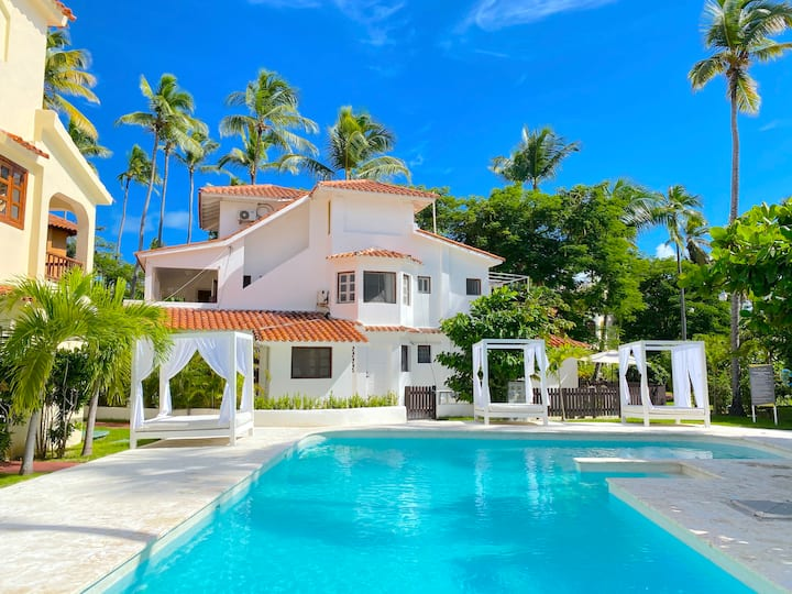 BEACH VILLA with POOL playa LOS CORALES 8 people