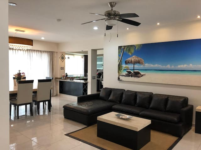 ★Beautiful 3BD•3BD Apt.Live where the locals live★