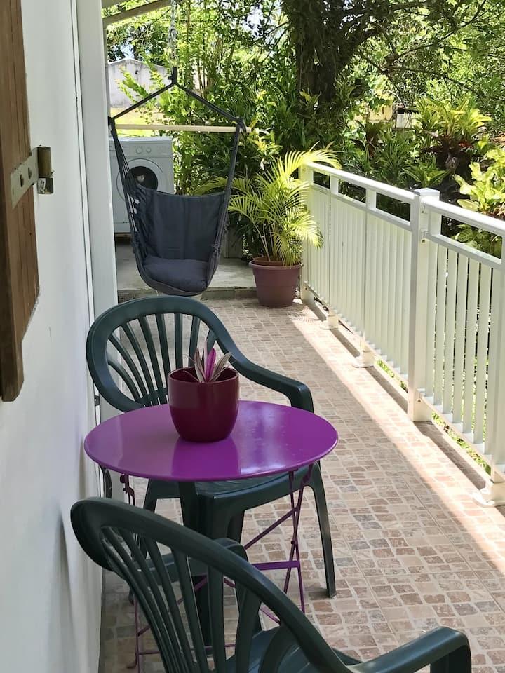 Maison d'une chambre à Le Robert, avec magnifique vue sur la montagne, jardin aménagé et WiFi - à 3 km de la plage
