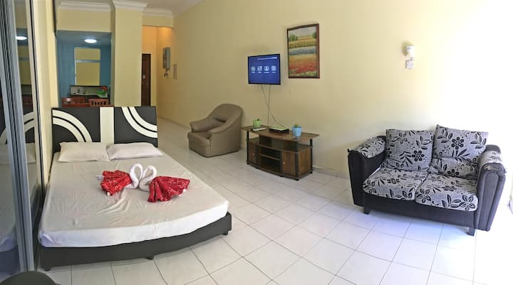 TELUK BATIK HOLIDAY APARTMENT-2B2