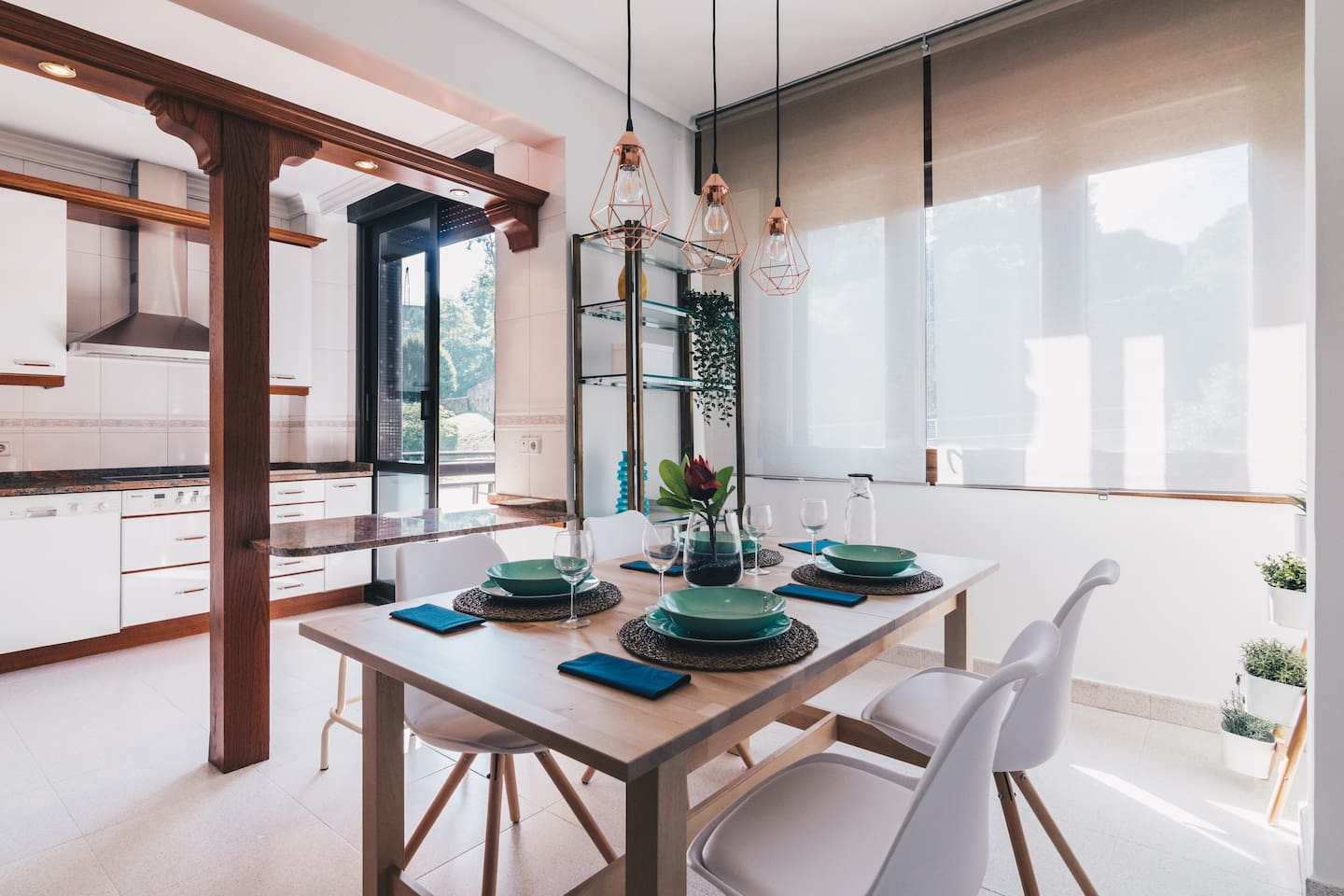 Zumalakarregi by People Rentals - Dining room and Kitchen 1