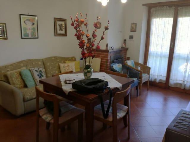 Appartamento nel Cuore appennino abbruzzese - Riofreddo - 公寓