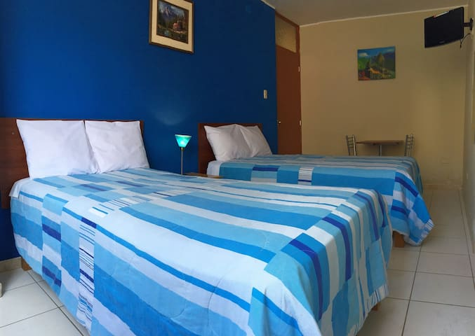 nice&bright twin room, with private bathroom.