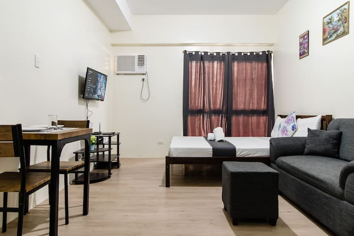 Sleek Studio ✔ WiFi✔Netflix✔Near MRT & Trinoma