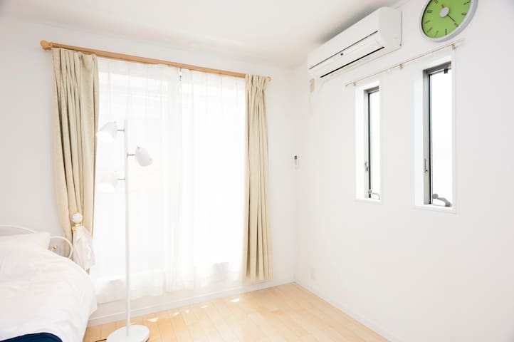 (3F,Bed room②) Natural light.