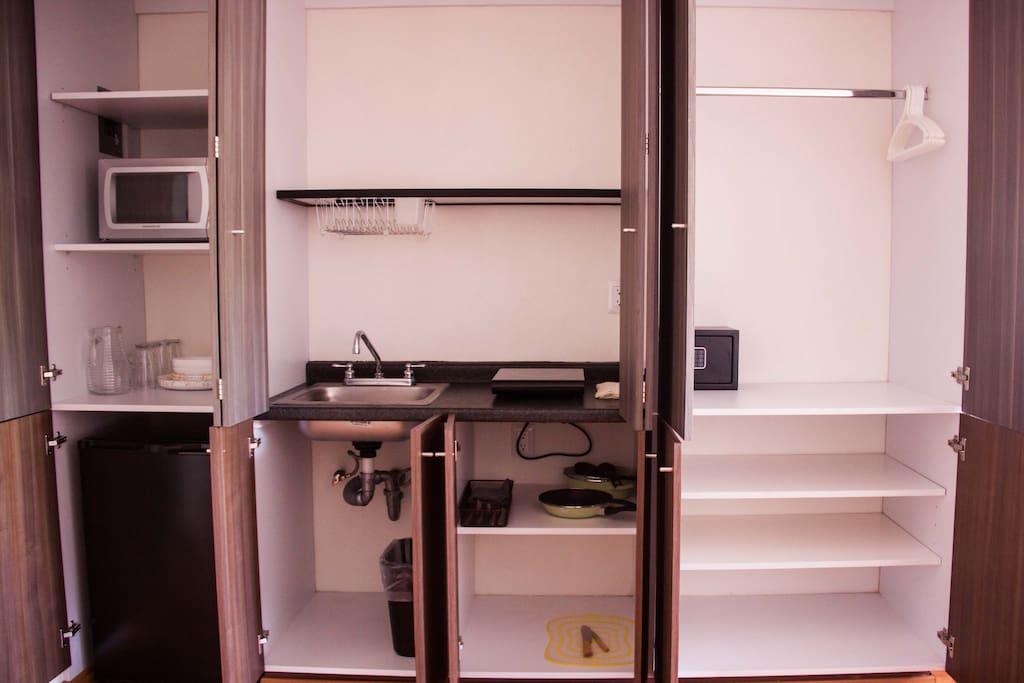 Cocineta totalmente equipada incluye utencilios