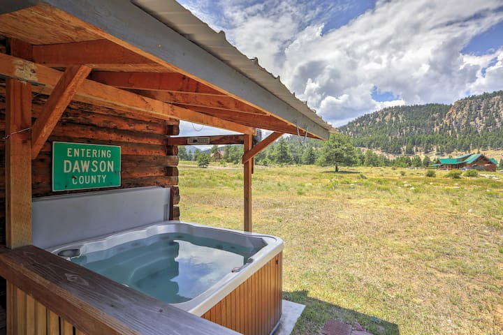 You'll love the private deck & hot tub