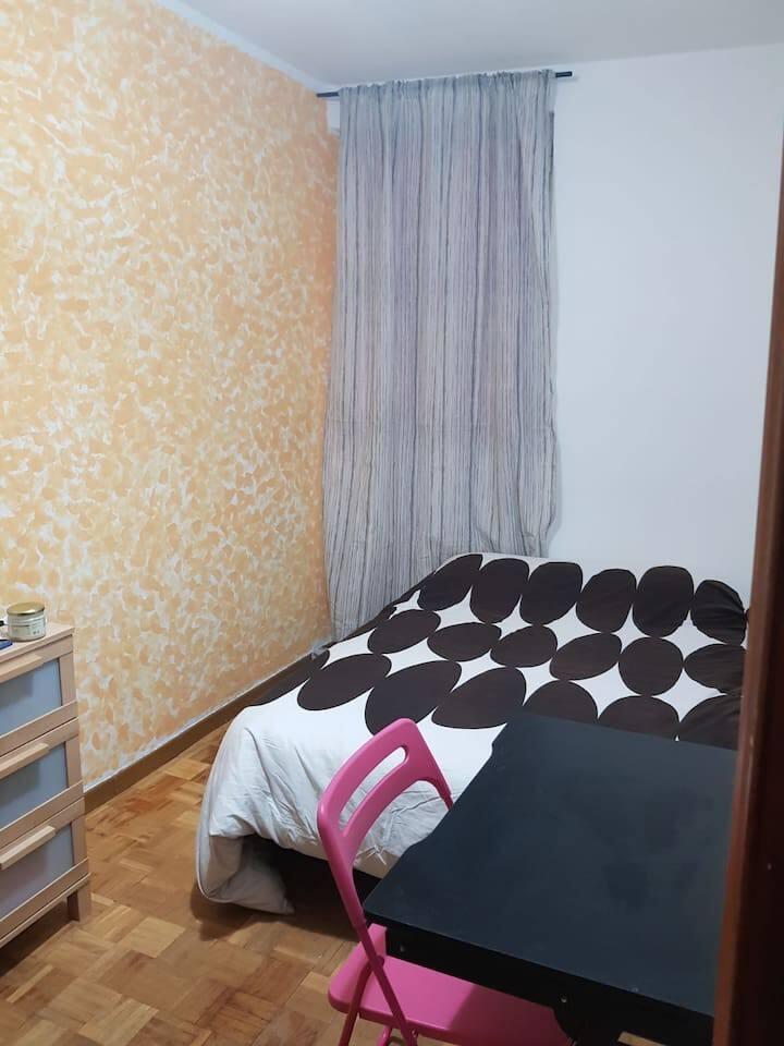 Habitación excelente piso, situación inmejorable