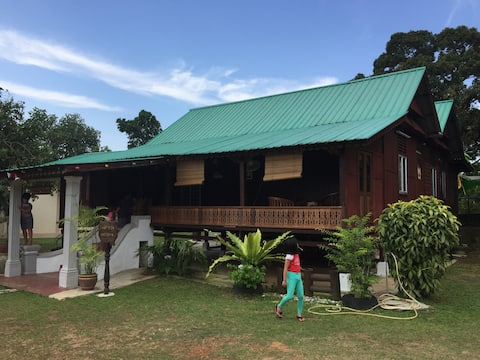 Inap Desa Warisan Malaccaトラディショナルハウス(プール)