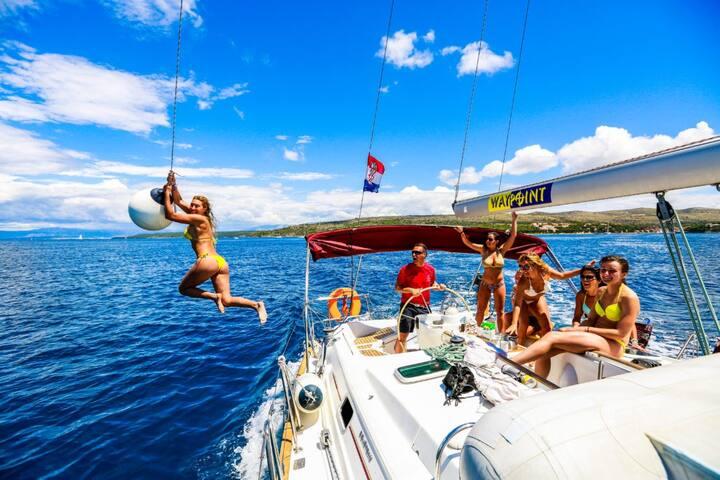 Yacht Week Sailing Tour - Ultra Music Festival - Split - Barco