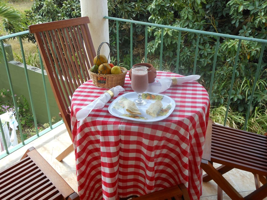 Enjoy meals on the balcony with beautiful breezes