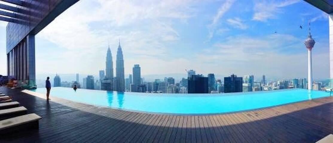 KL Skyline View@Rooftop Infinity Pool Suites - 1BR