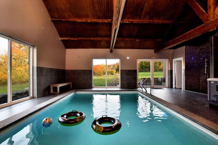 Moderne villa in het oude stadje Durbuy met zwembad