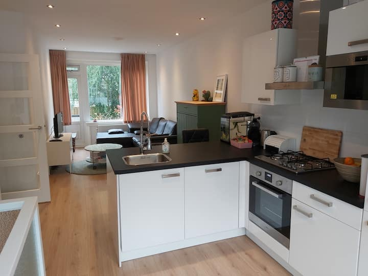Beautifull appartment near Zuidplein & Ahoy
