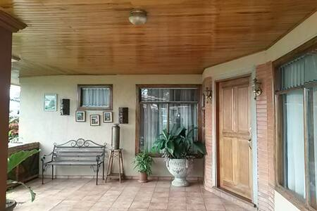 Two private rooms for 3 people, near airport. - Barva