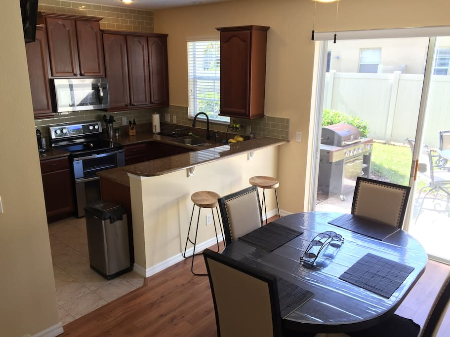 Centrally Located Townhouse 3 Bedroom 2 1 2 Bath Houses For Rent In Orlando Florida United