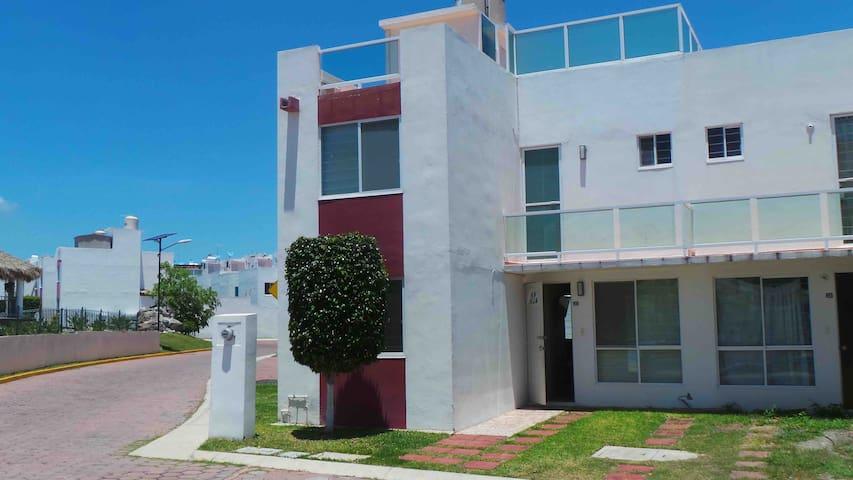 Casa Verde Villas Teques