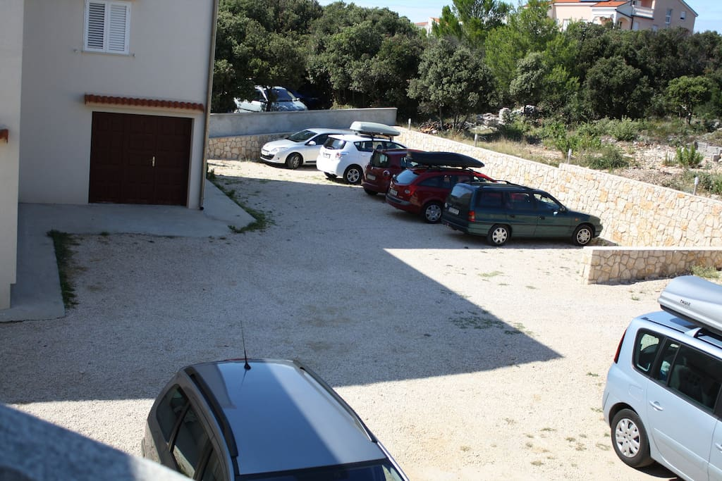 Parking behind the house for each apartment