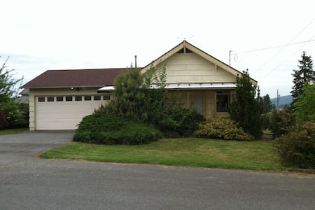 Noni House - Anacortes