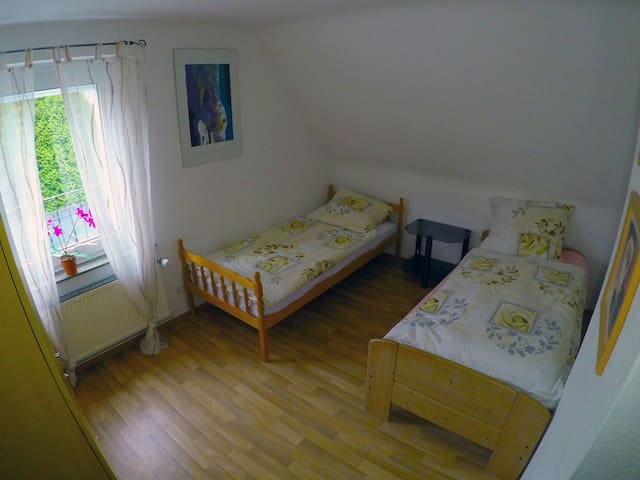 2x Private rooms 4 Person/ Stadtnah und Edylisch - Pattensen
