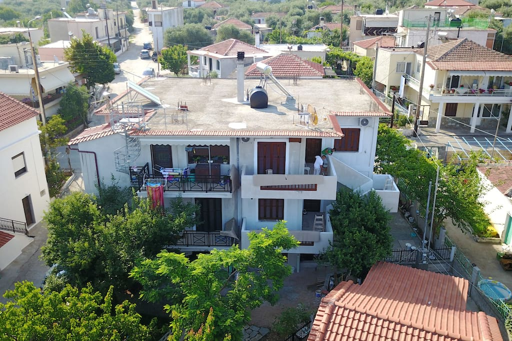 STELIOS HOUSE IS LOCATED AT THE LAST LEVEL