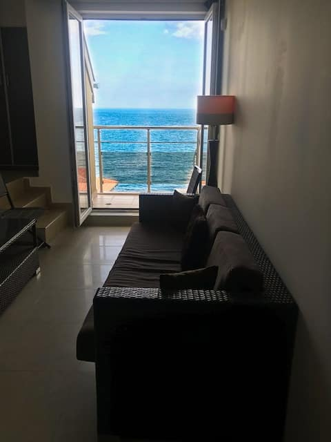 Romantic and luxurious loft with perfect sea view