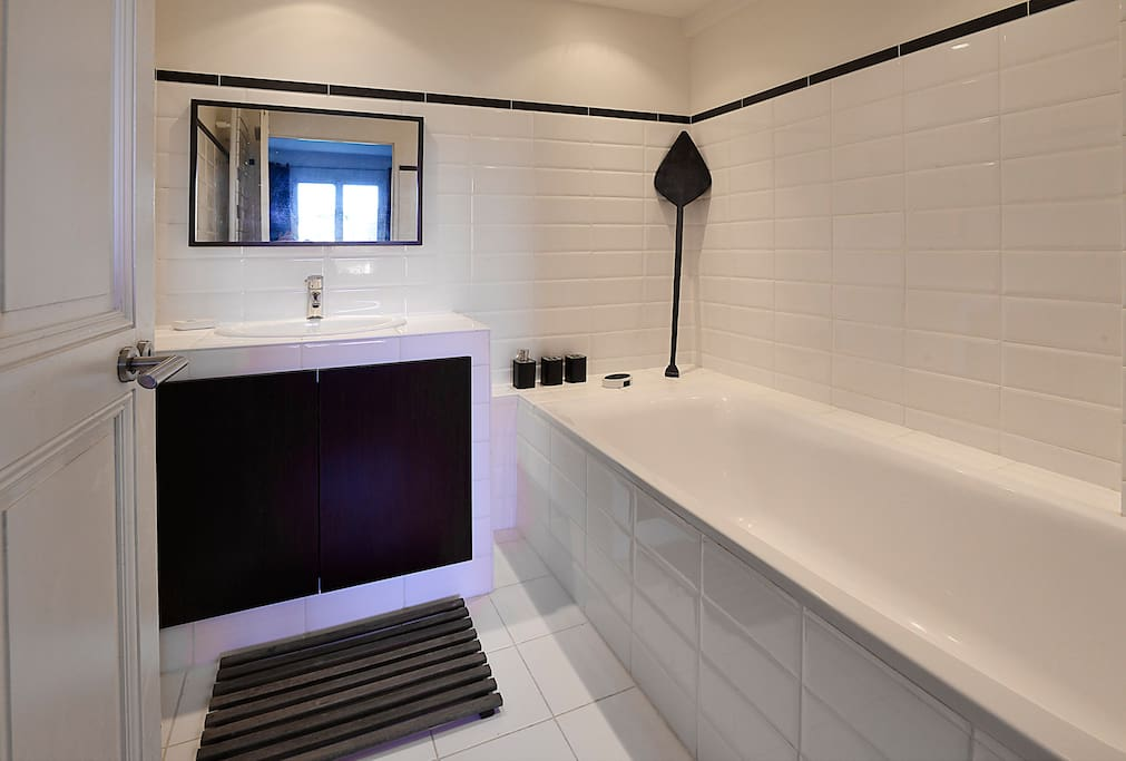 Salle de bain ambiance coloniale