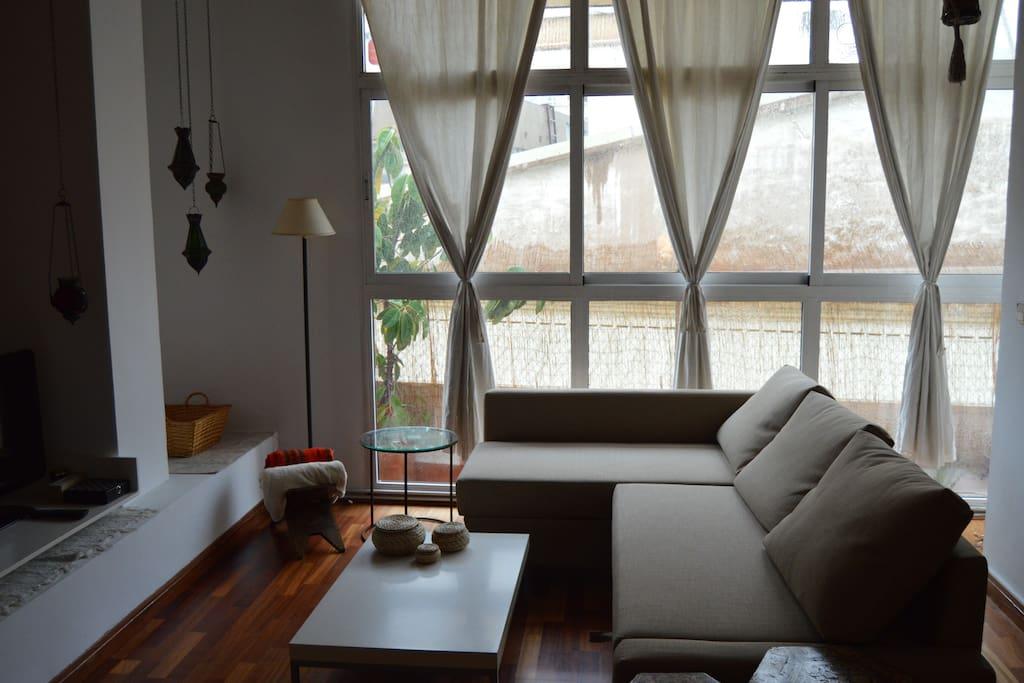 comedor-salón con sofá-cama para dos personas