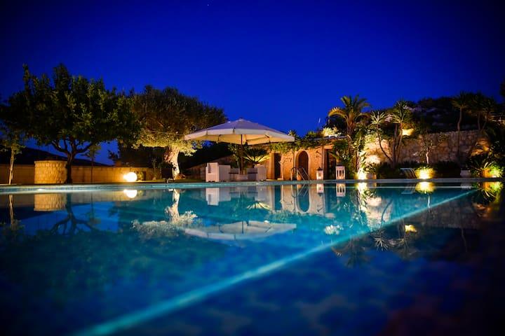 Villa Kete Deluxe Rooms - Suite Artemisia