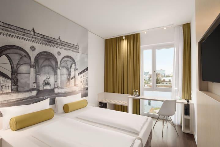 Komfortables Zimmer in Schwabing(EZ)1(Super 8 Nord