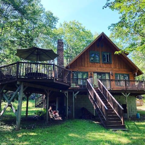 The CHowder Cabin @ Kennebunk Dog Oasis